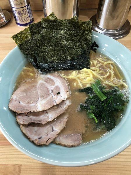 「チャーシュー麺中盛、硬め濃いめ」@横浜家系 志田家の写真