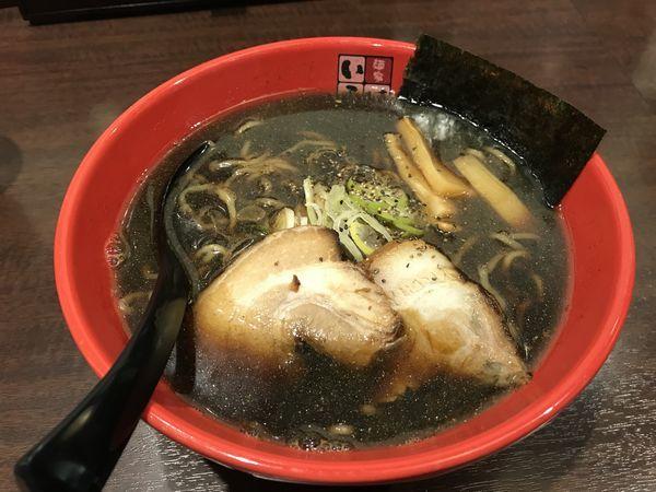 「富山ブラックラーメン」@麺家いろは 秋葉原店の写真