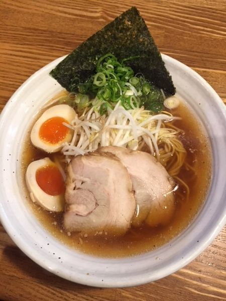 「豚そば (大・同一料金700円) 味玉クーポン付き」@上海麺館の写真