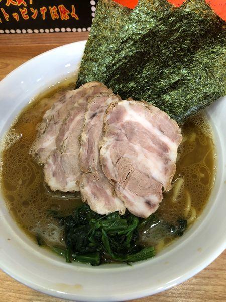「チャーシュー麺中盛950円、硬め濃いめ」@横浜家系  おか家の写真