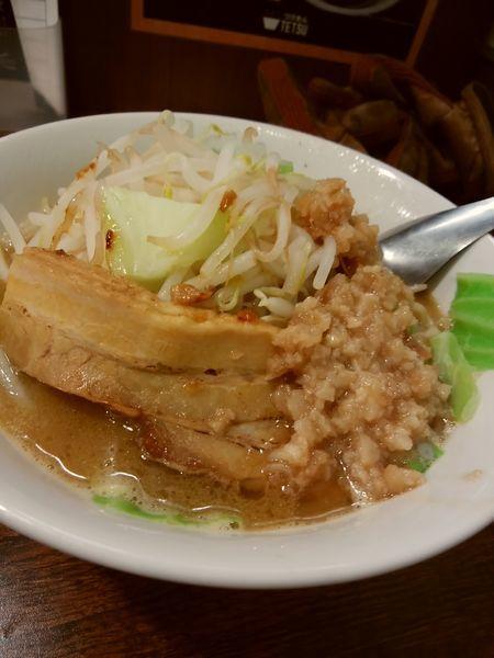 「豚煮干しラーメン(背脂半分)」@つけめんTETSU 千駄木本店の写真