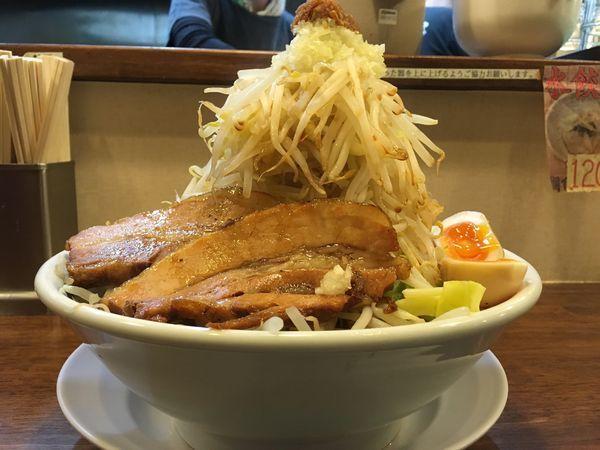 「特製富士そば (野菜増し増し、にんにく増し増し、麺大盛)」@らーめんブッチャー 函南店の写真