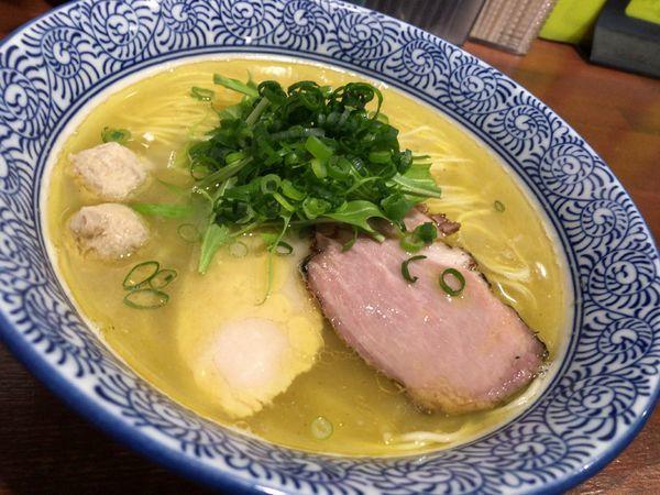 「塩鶏湯そば」@麺や 而今 大東本店の写真