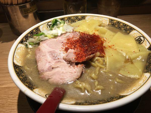 「すごい煮干しラーメン大盛り」@ラーメン凪 川口東口駅前店の写真