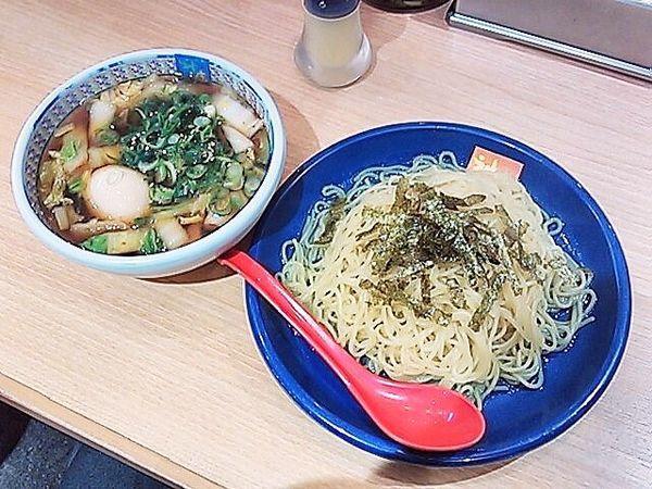 「つけ麺(温麺、1.5玉)+味玉」@どうとんぼり神座 新宿店の写真