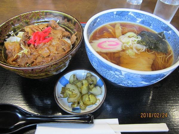 「焼肉丼セット900円」@本店 十一屋の写真
