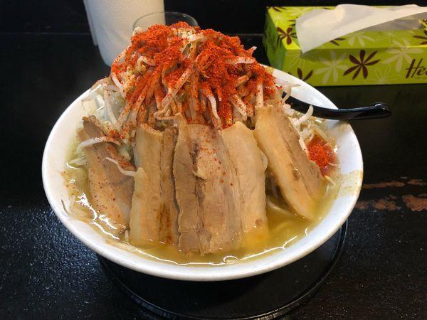 「カレー750・野菜増し増し・カラメ・チーズ」@自家製太麺 ドカ盛 マッチョ 三ノ宮店の写真