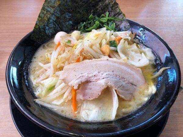 「野菜ラーメン 830円」@横濱家系ラーメン 町田商店 仲町台店の写真