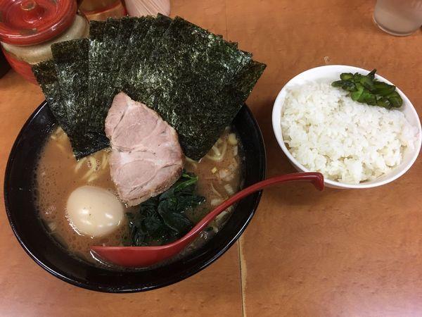 「のり味玉ラーメン」@横浜ラーメン 武蔵家 幡ヶ谷店の写真