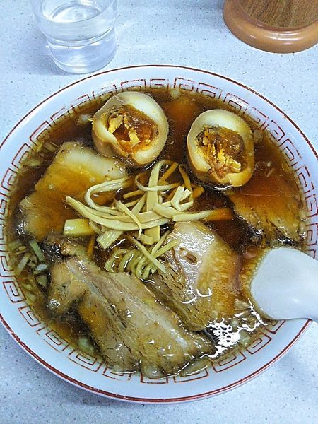 「チャーシュー麺700円+味付玉子100円」@ラーメン 天一の写真
