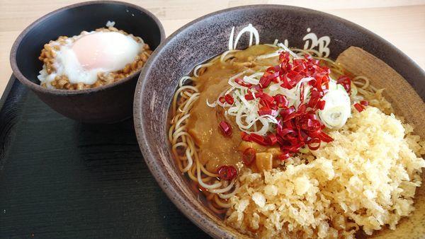 「カレー蕎麦+大盛り+とろ~り納豆ごはん」@ゆで太郎 入間宮寺店の写真