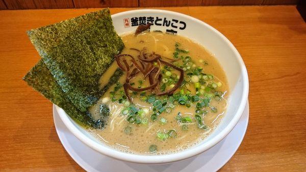 「ラーメン ¥650 + 替玉¥100」@釜炊きとんこつ がっきの写真