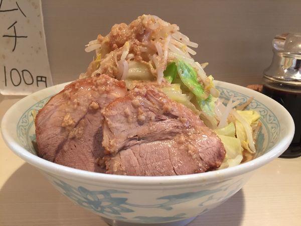「らーめん(ヤサイ 背脂)」@らーめん 陸 尾山台店の写真