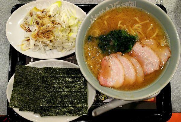 「横浜家系ラーメン藤崎家チャーシュー麺」@らあめん花月嵐 浦和美園店の写真