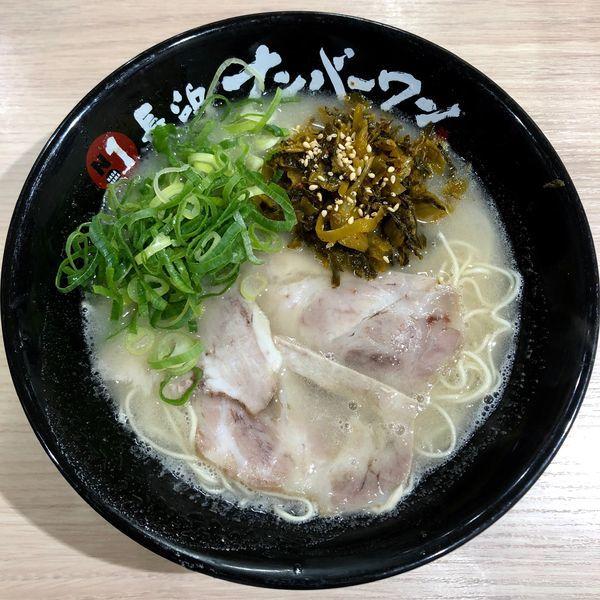 「辛子高菜ラーメン (750円)」@長浜ナンバーワン 松山店の写真