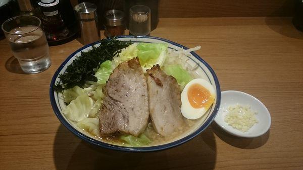 「醤油とんこつ・大盛・磯のり・柔らか目(ヤサイアブラ)¥990」@らーめん勇の写真