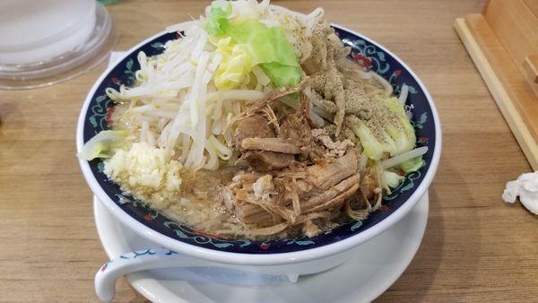 「ニボジロー 麺大盛 野菜増」@凌駕 IDÉAの写真