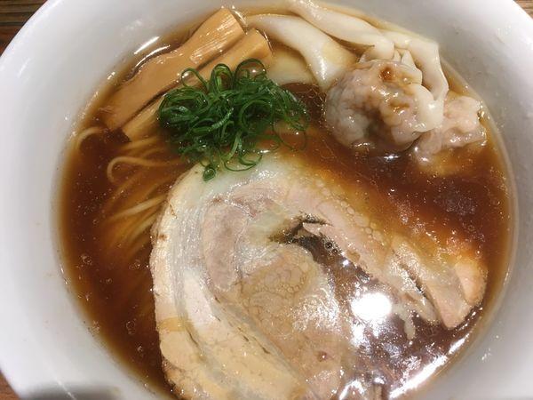 「純粋金華豚ワンタンそば醤油 1050円」@松戸中華そば 富田食堂の写真