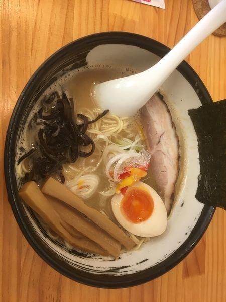 「豚骨ラーメンこってり醤油細麺」@濃厚ラーメン じゅんの写真