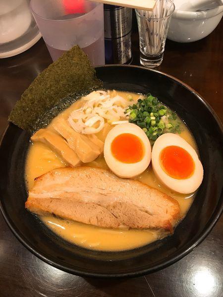 「濃厚鶏らーめん 塩+味玉」@らーめんなが田の写真