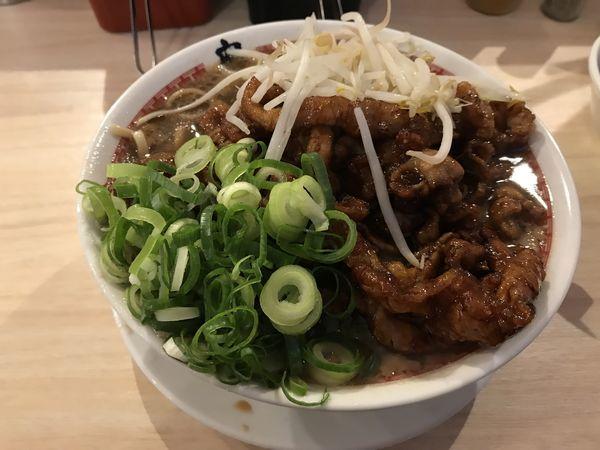 「肉汁麺 レベル3+サービス券」@肉汁麺ススム 秋葉原本店の写真