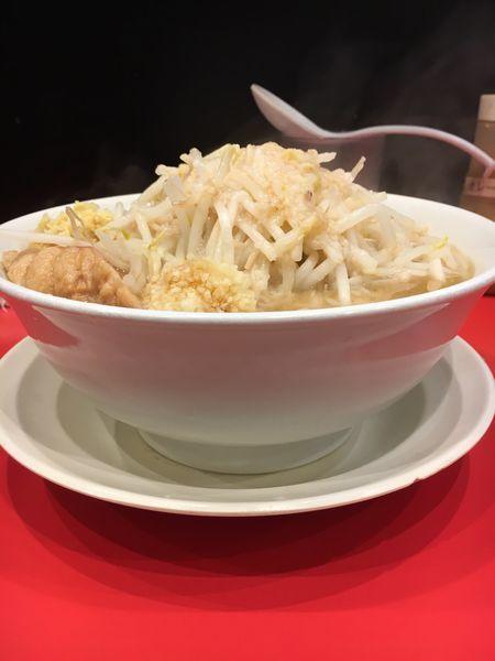 「ラーメン ニンニク➕アブラ➕ショウガ 辛玉別皿」@用心棒の写真