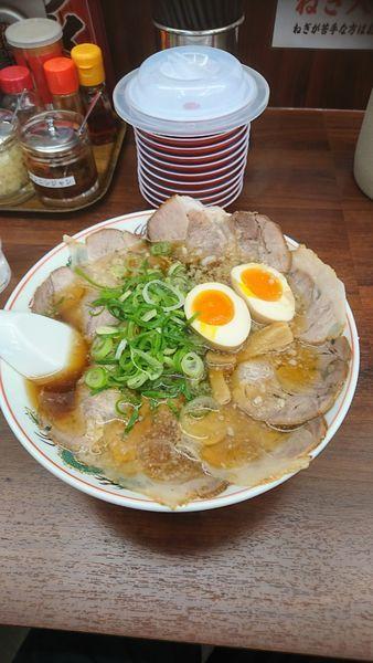 「特製醤油肉玉大盛 1,050円」@ラーメン魁力屋 上郷店の写真