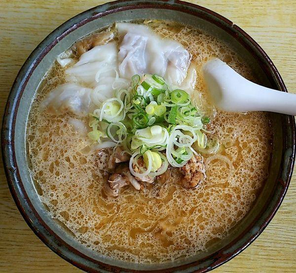 「味噌ワンタン麺(大盛り)」@らーめん 大雅の写真