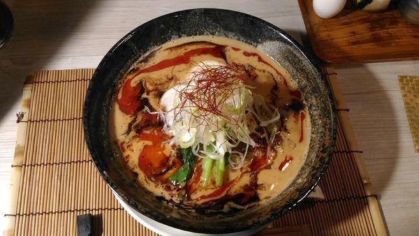 「濃厚鶏だし担々麺¥880 餃子3ヶそぼろ丼セット¥300」@麺 AKIBAの写真