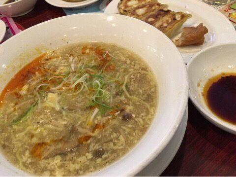 「酸辣湯麺 麺半分 549円(税抜)」@バーミヤン 練馬豊玉店の写真