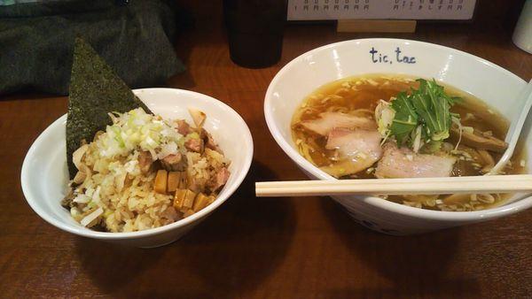 「らーめん+まかないご飯」@手打ら~めん tic,tacの写真