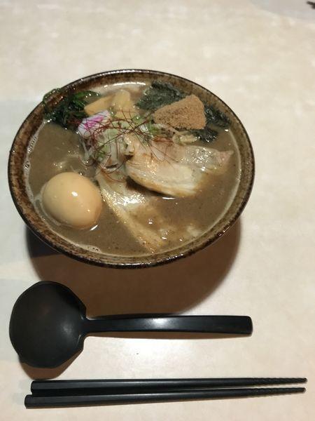 「豚骨魚介ラーメン 850円 大盛り50円」@北青山の写真