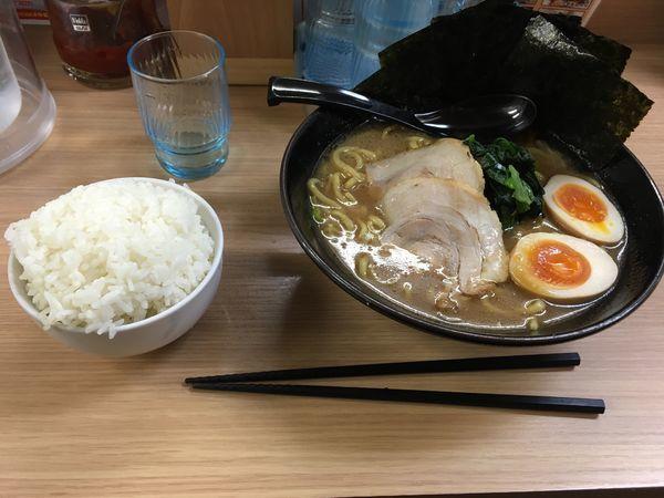 「豚骨SPラーメン 大盛(硬め、濃いめ)」@つけ麺 らーめん 春樹 鮫洲店の写真
