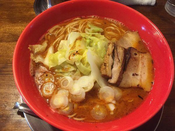 「レッチリラーメン(大盛り)」@らー麺屋台 骨のzuiの写真