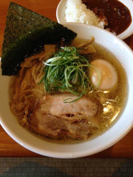 「味玉塩らーめん 日替りのご飯のセット」@らーめんダイニング 庵の写真