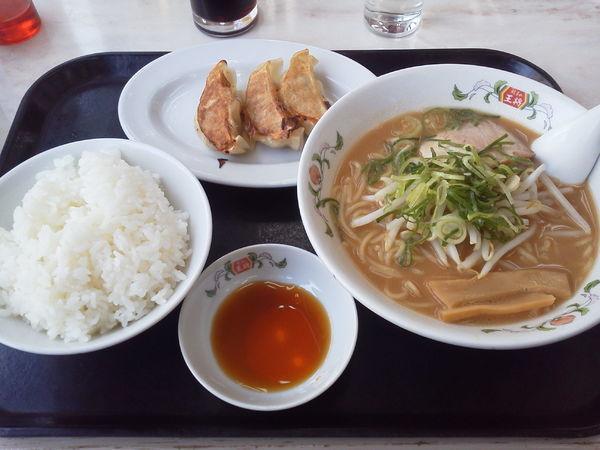 「ラーメンランチ 740+tax」@餃子の王将 イトーヨーカドー食品館小手指店の写真