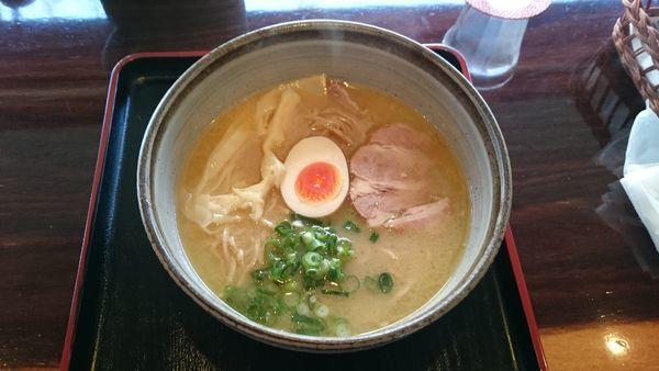 「鶏骨ラーメン(全粒粉麺の細麺)780円」@麺's たぐちの写真