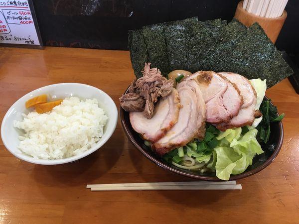 「うらまる(家系風中華そば)」@自家製中華そば 麺 まる井の写真