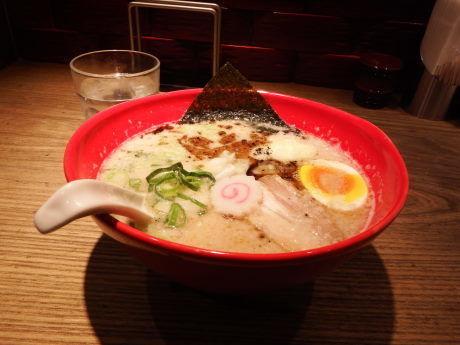 「五行とんこつ麺」@西麻布 五行の写真