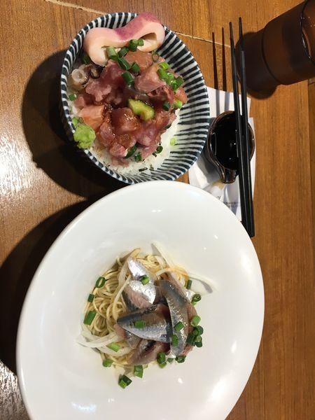 「いわしそば、海鮮丼」@寿製麺よしかわ 川越店の写真