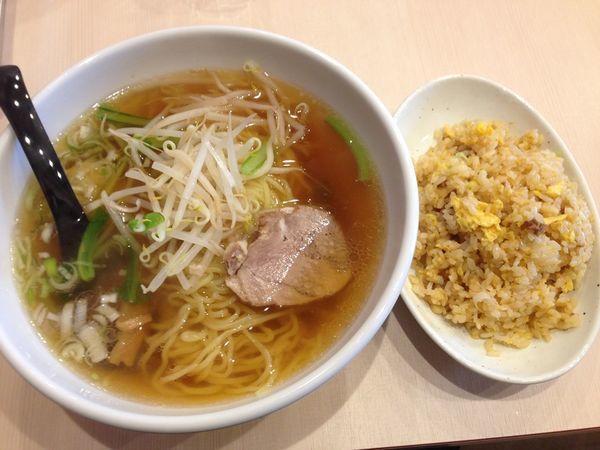 「ラーメン+半炒飯」@チャイナキッチン 華やかの写真