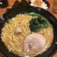 横浜家系ラーメン 壱角家 埼大通り店の写真