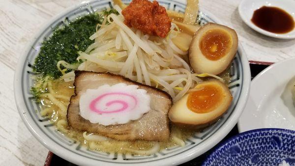 「からし味噌味玉らーめん 大盛」@ちゃーしゅうや武蔵 イオン南松本店の写真