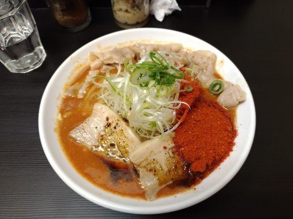「辛口ガチ味噌肉ソバ大盛り+ごはん小+チャーシュー(小)」@辛口肉ソバ ひるドラ 日本橋店の写真