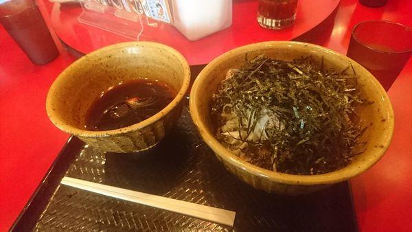 「肉そば」@なぜ蕎麦にラー油を入れるのか。 池袋本店壬生の写真