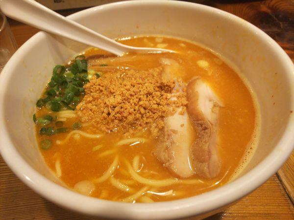「赤鶏ら~めん780円」@鶏の穴の写真