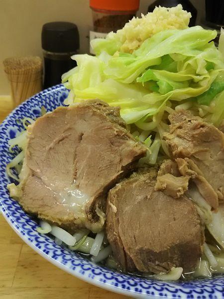 「らーめん(中、ニンニク・生姜)¥600+野菜マシ¥50」@らーめん きじとらの写真