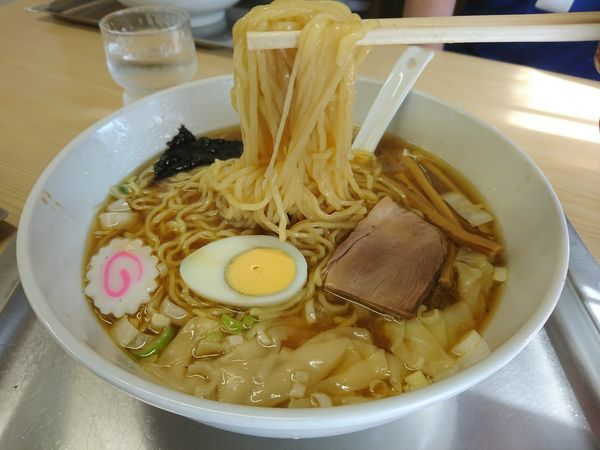 「ワンタン麺(普1.5玉)900円」@中華そば 大咲の写真