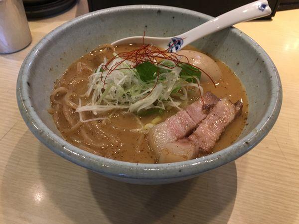 「味玉らーめん900」@麺や 高倉二条の写真