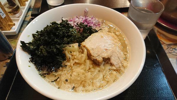 「背油煮干しラーメン 太麺バージョン ¥800」@ラーメン愉悦処 似星の写真